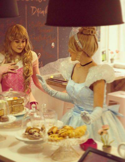 wendy house princess cake party kent